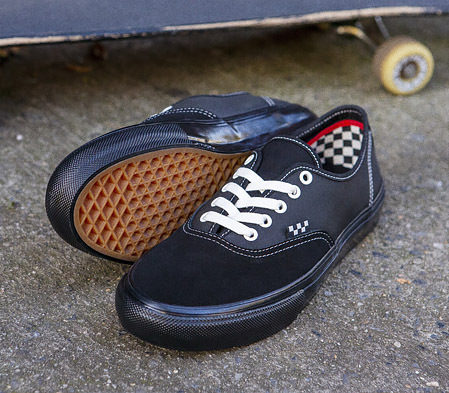 THE SKATE AUTHENTIC